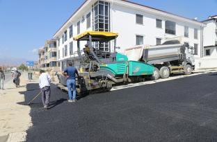 Erzincan belediyesi Asfalt Çalışmalarını Sürdürüyor